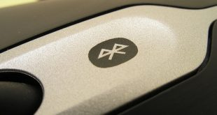 Bluetooth logo on mouse